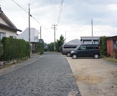 中野果実園の広い駐車場