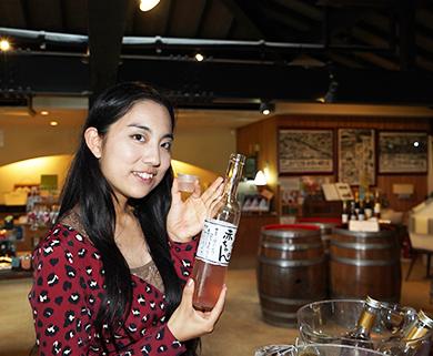 株式会社巨峰ワインでは気になるワインは、どんどん試飲できます
